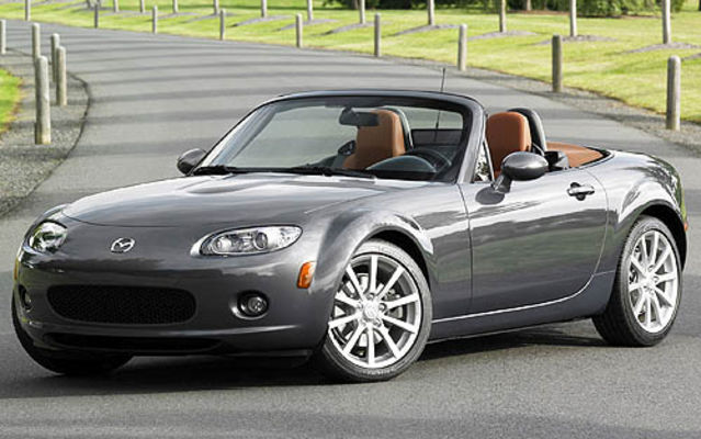 mazda mx5 toujours la r f rence mazda mx 5 2007 guide auto. Black Bedroom Furniture Sets. Home Design Ideas