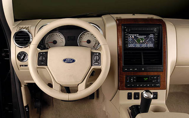 Ford Explorer Sport Trac. Ford Explorer Sport Trac