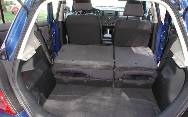 nissan versa 2008. (Nissan Versa SL hatchback
