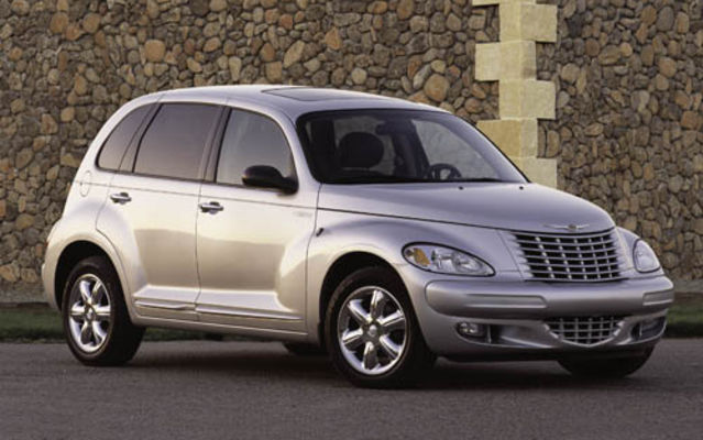 chrysler pt cruiser cabriolet l 39 ge d 39 or du design chrysler pt cruiser 2005 guide auto. Black Bedroom Furniture Sets. Home Design Ideas