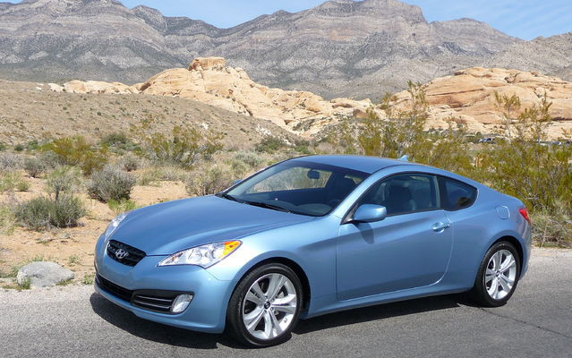 2010 hyundai genesis coupe first the sedan now the coupe review the car guide. Black Bedroom Furniture Sets. Home Design Ideas