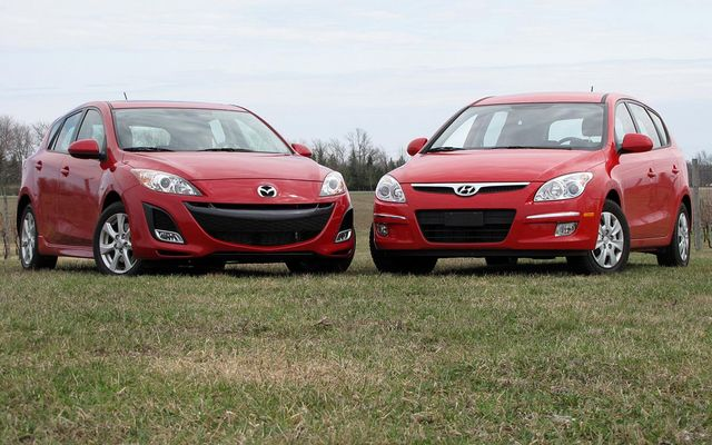 mazda 3 i touring vs hyundai elantra autos post. Black Bedroom Furniture Sets. Home Design Ideas