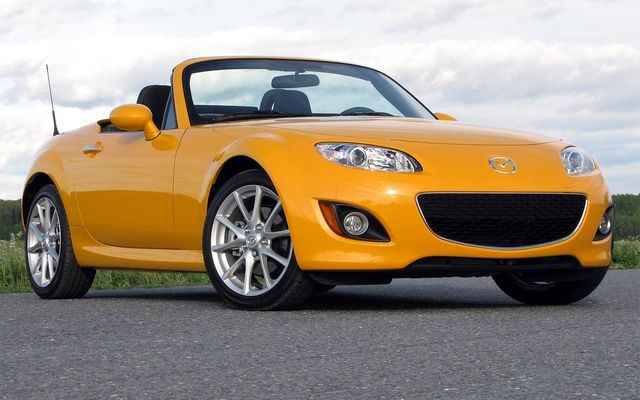 2009 mazda mx 5 miata twenty years young and still looking good review the car guide. Black Bedroom Furniture Sets. Home Design Ideas