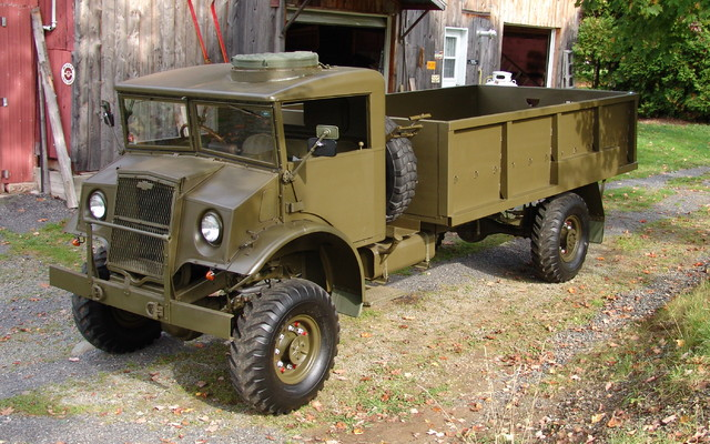 voitures anciennes cmp 1944 tout un truck d 39 arm e le guide de l 39 auto. Black Bedroom Furniture Sets. Home Design Ideas