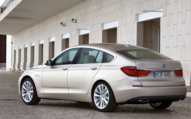 Bmw 3 Series 2011 Sedan. an owner of a BMW 3-series
