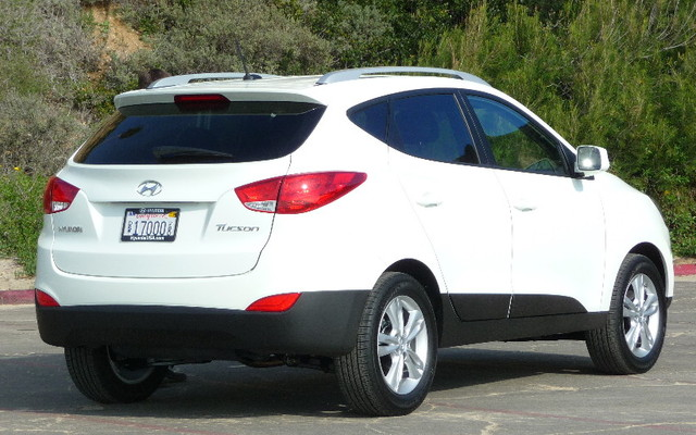 hyundai tucson picture gallery photo 7 18 the car guide. Black Bedroom Furniture Sets. Home Design Ideas