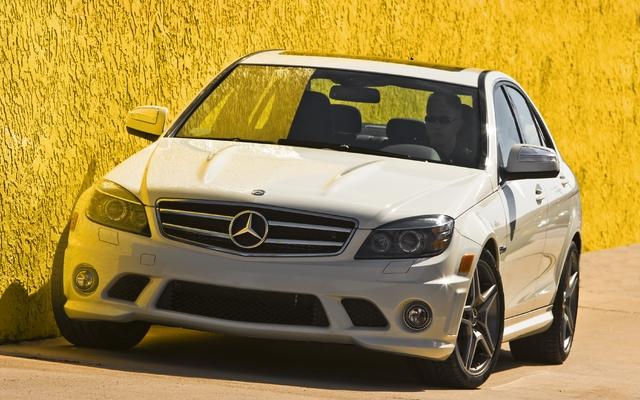 mercedes benz c63 amg 2011 galerie photo 16 17 le guide de l 39 auto. Black Bedroom Furniture Sets. Home Design Ideas