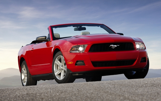 ford mustang cabriolet 2011 picture gallery photo 1 40 the car guide. Black Bedroom Furniture Sets. Home Design Ideas