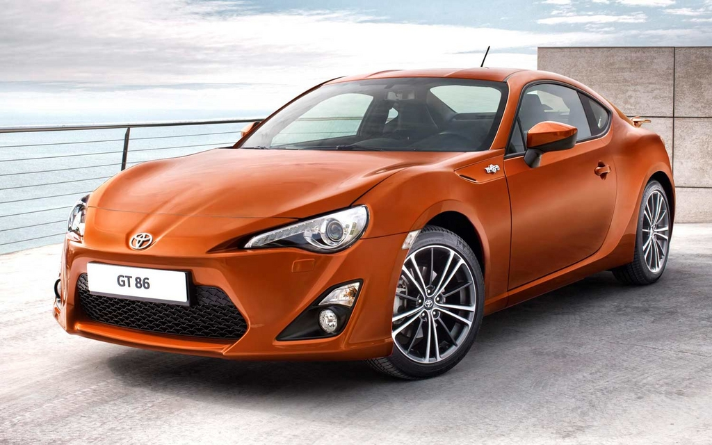 toyota gt 86 hommage la corolla ae86 toyota gt 86 2013 guide auto. Black Bedroom Furniture Sets. Home Design Ideas