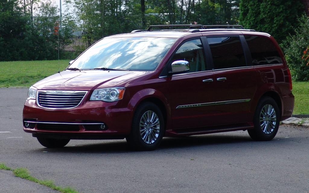 2012 chrysler town and country pictures car tuning. Cars Review. Best American Auto & Cars Review