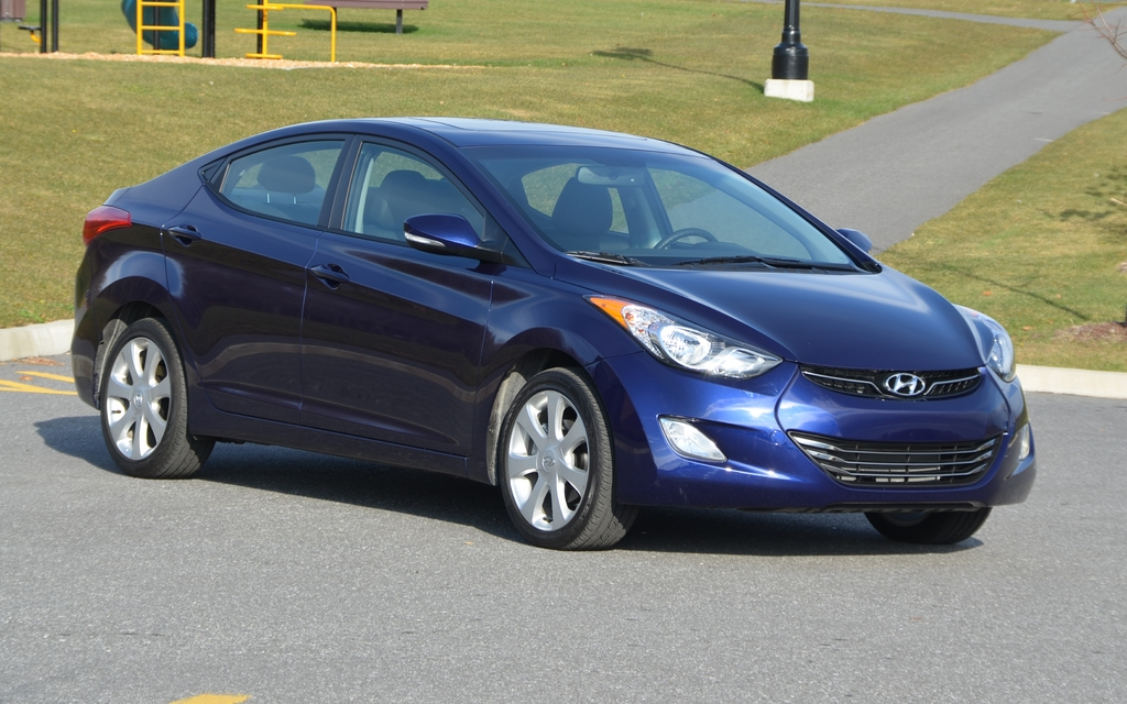 2012 hyundai elantra life after love review the car guide. Black Bedroom Furniture Sets. Home Design Ideas
