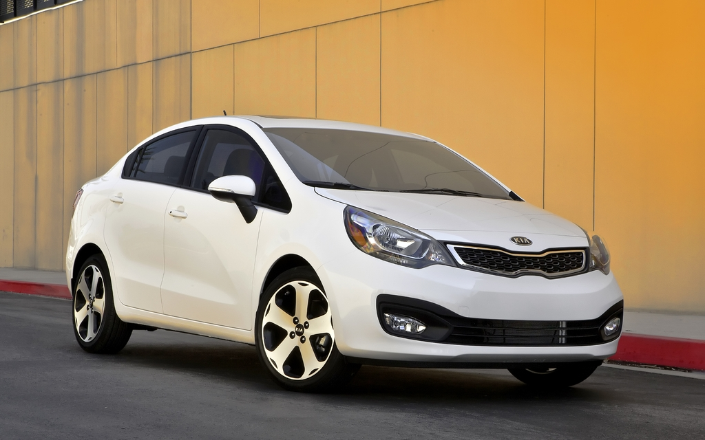 kia rio berline 2012 partir de 13 795 kia rio rio5 2012 guide auto. Black Bedroom Furniture Sets. Home Design Ideas