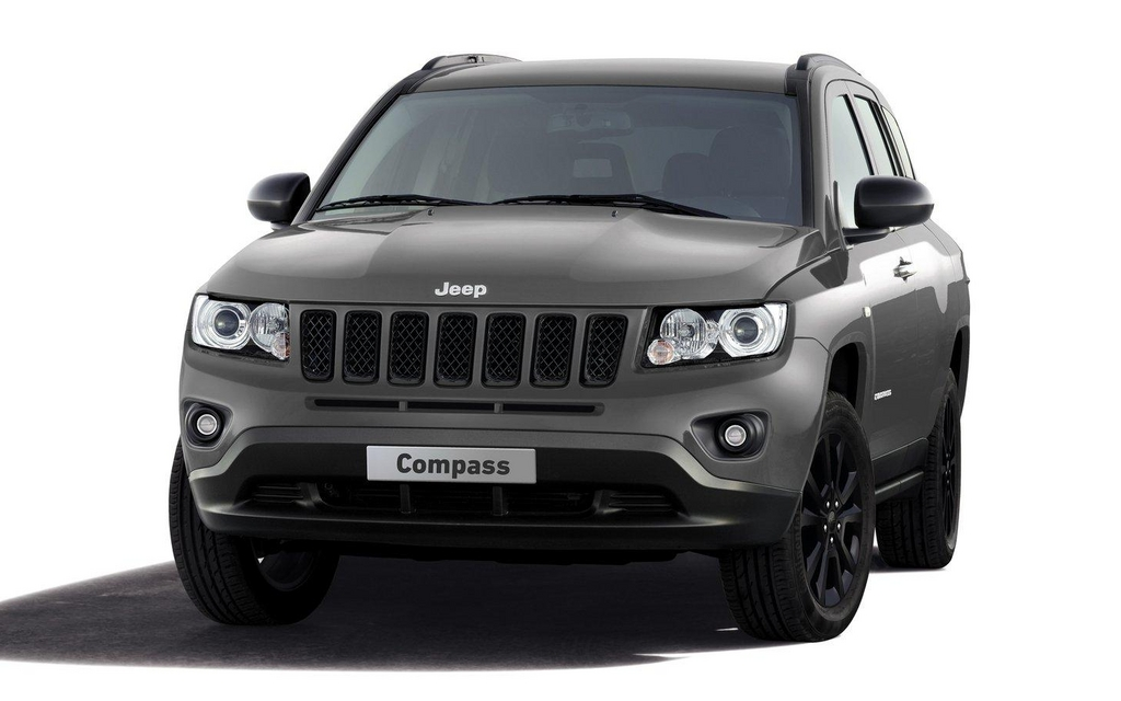 jeep compass black look concept tout de noir v tu jeep concept 2012 guide auto. Black Bedroom Furniture Sets. Home Design Ideas