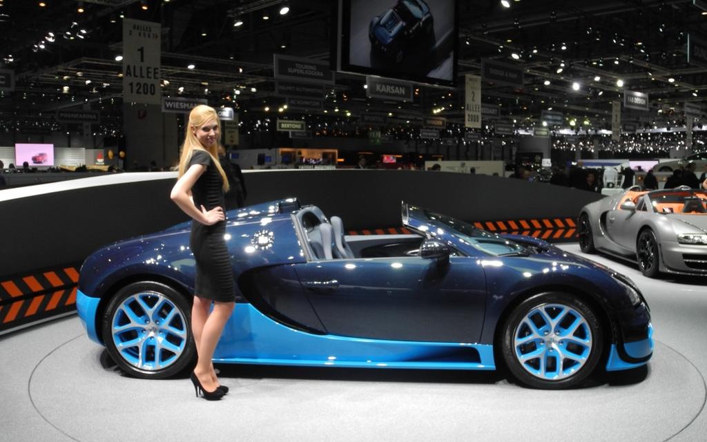 bugatti veyron grand sport vitesse a convertible driven by 1 200 horses 2012 bugatti veyron. Black Bedroom Furniture Sets. Home Design Ideas