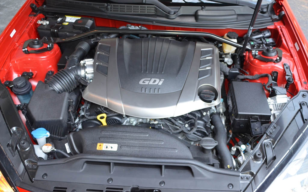 2013 hyundai genesis coupe 3 8 gt the 3 8l v6 with direct. Black Bedroom Furniture Sets. Home Design Ideas