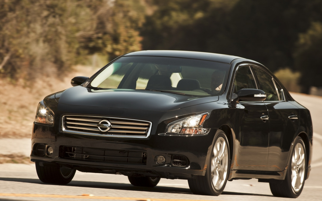 2012 nissan maxima good car seeks owner review the car guide. Black Bedroom Furniture Sets. Home Design Ideas