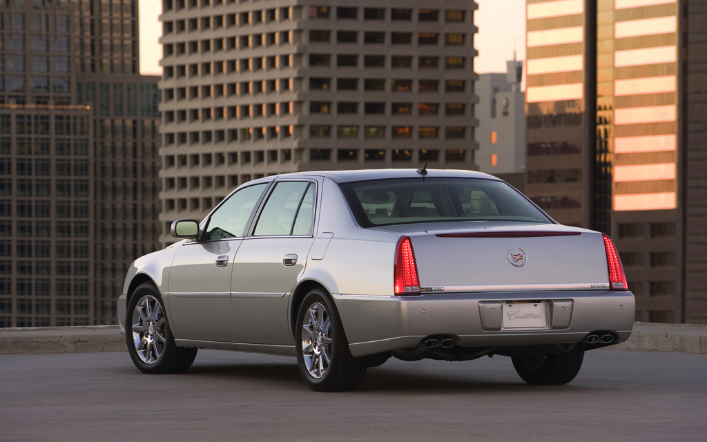 Cadillac Dts 2012 Prices