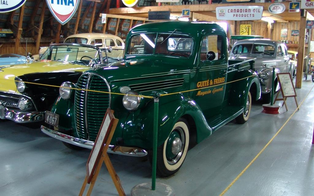 une tr s jolie camionnette ford 1938 moteur v8 de 221 pouces cubes si vous avez suivi les. Black Bedroom Furniture Sets. Home Design Ideas
