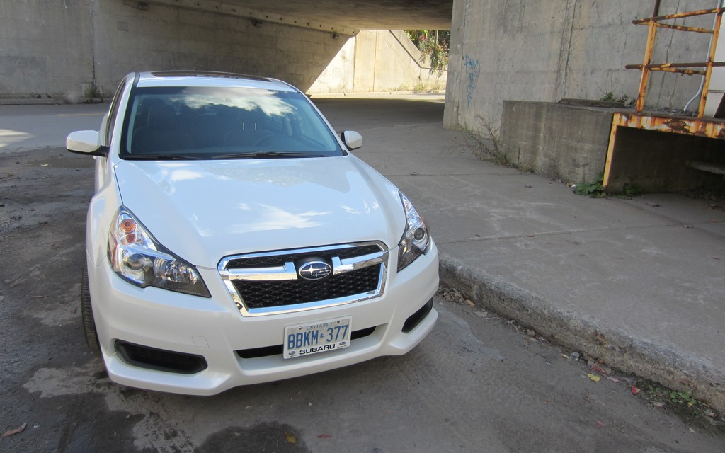 2013 subaru legacy 3 6r limited with eyesight something old something new review the car. Black Bedroom Furniture Sets. Home Design Ideas