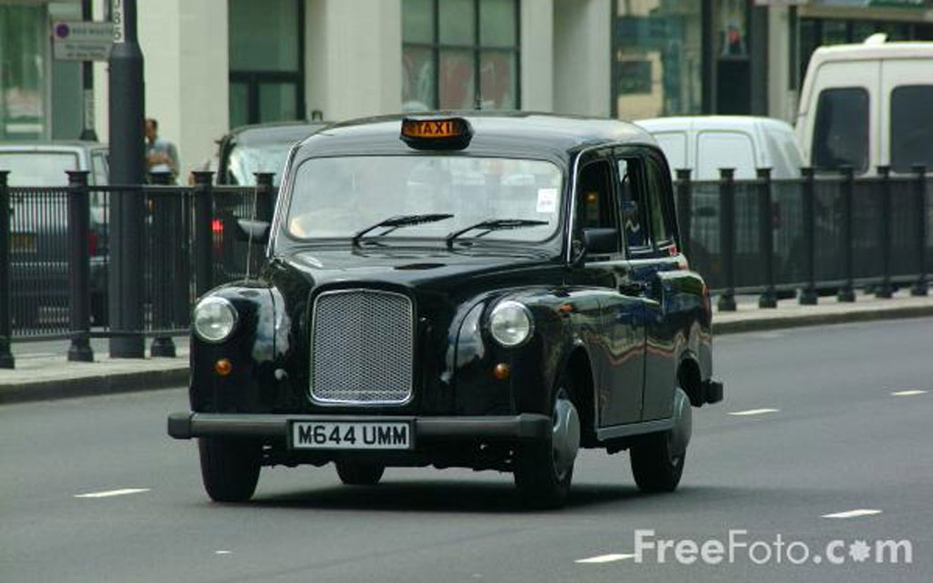 le fabricant des c l bres taxis noirs de londres est en difficult s financi res guide auto. Black Bedroom Furniture Sets. Home Design Ideas