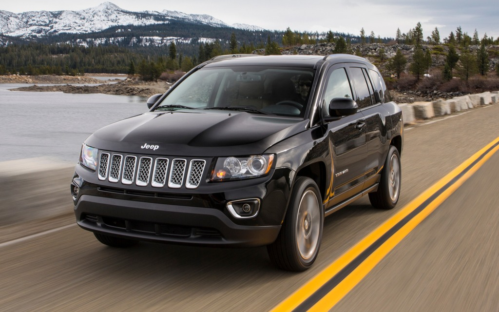 jeep compass 2014 galerie photo 4 7 le guide de l 39 auto. Black Bedroom Furniture Sets. Home Design Ideas