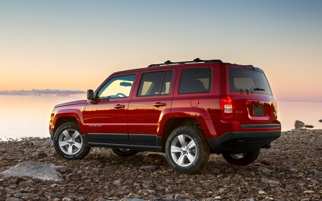jeep patriot 2014 galerie photo 7 7 le guide de l 39 auto. Black Bedroom Furniture Sets. Home Design Ideas