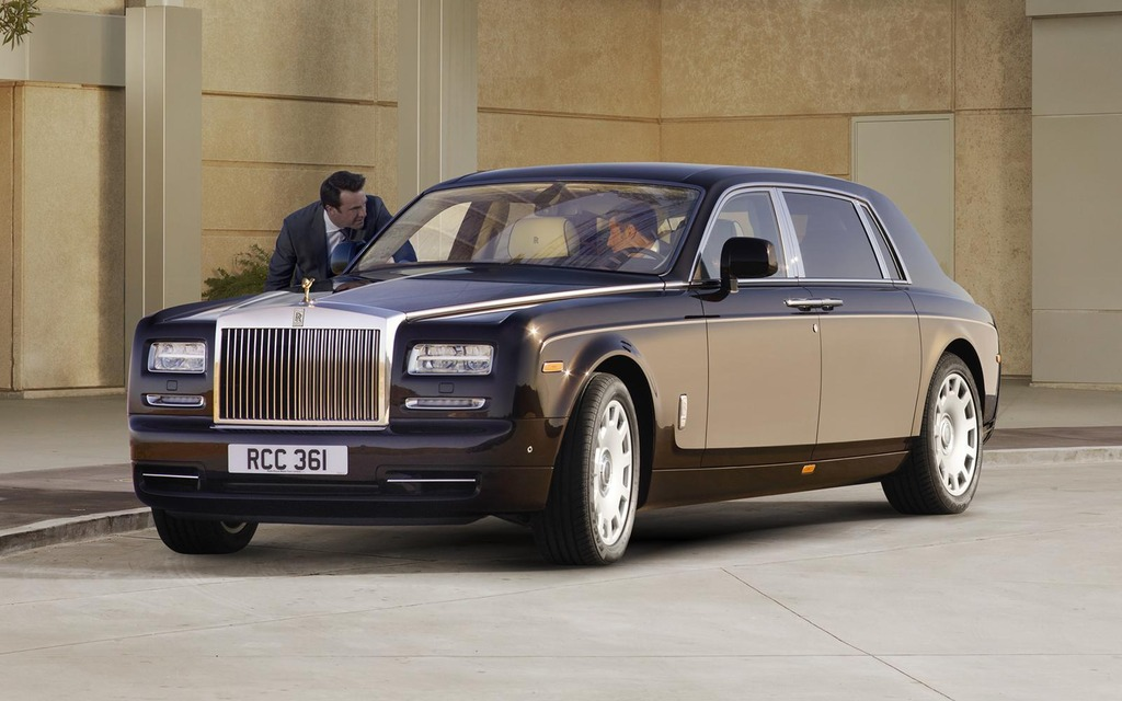 121040_Rolls_Royce_rappelle_sa_majestueuse_Phantom.jpg
