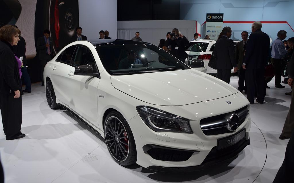 122228_2014_Mercedes-Benz_Classe_CLA.jpg