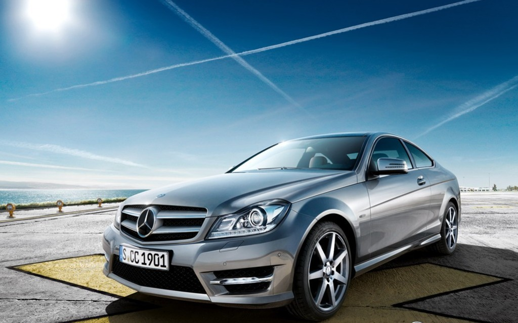 Mercedes benz to add convetible hybrid and diesel c for Mercedes benz c class coupe 2013