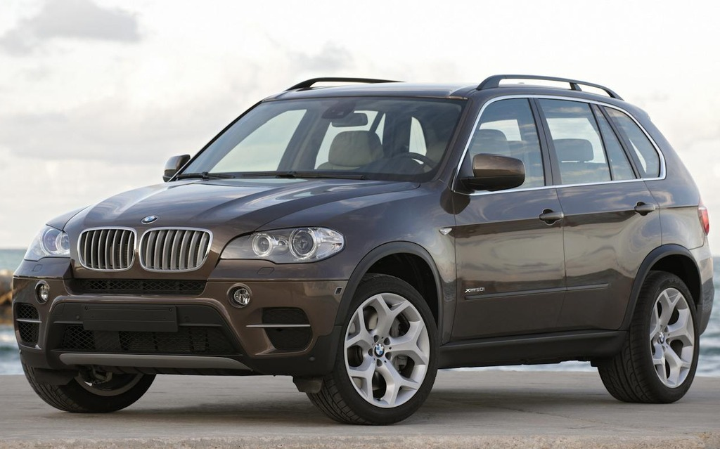 2014 bmw x5 introduces rear wheel drive model new styling the car guide. Black Bedroom Furniture Sets. Home Design Ideas