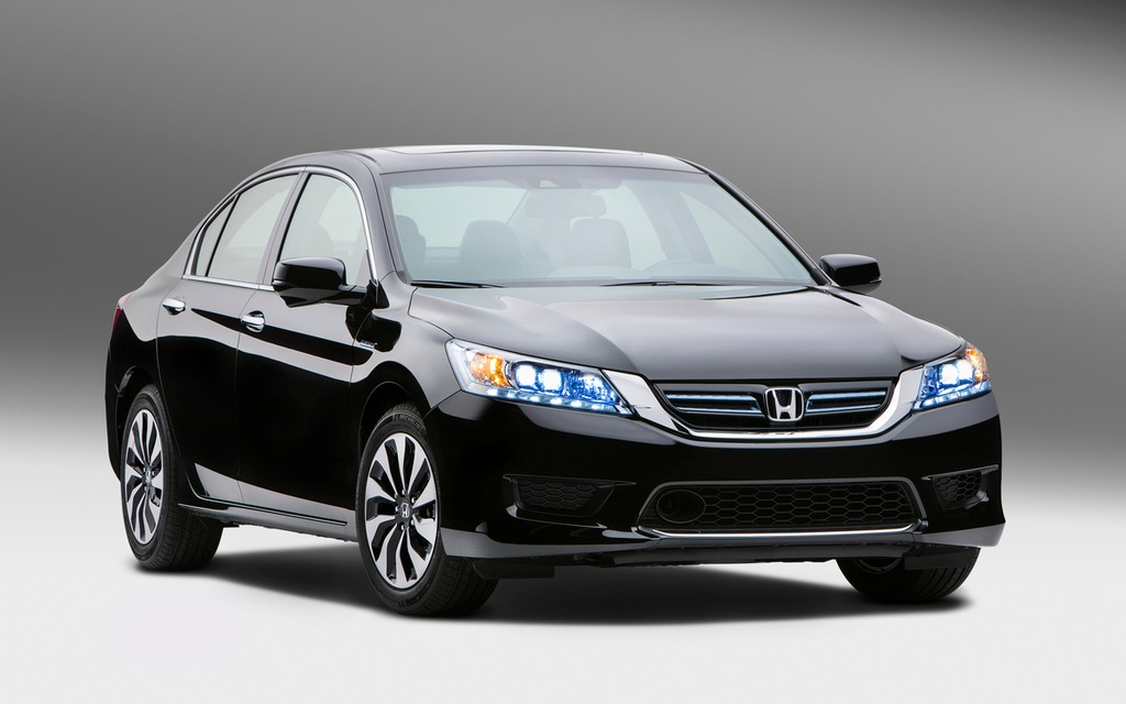 honda pr sente sa berline accord 2014 motorisation hybride guide auto. Black Bedroom Furniture Sets. Home Design Ideas