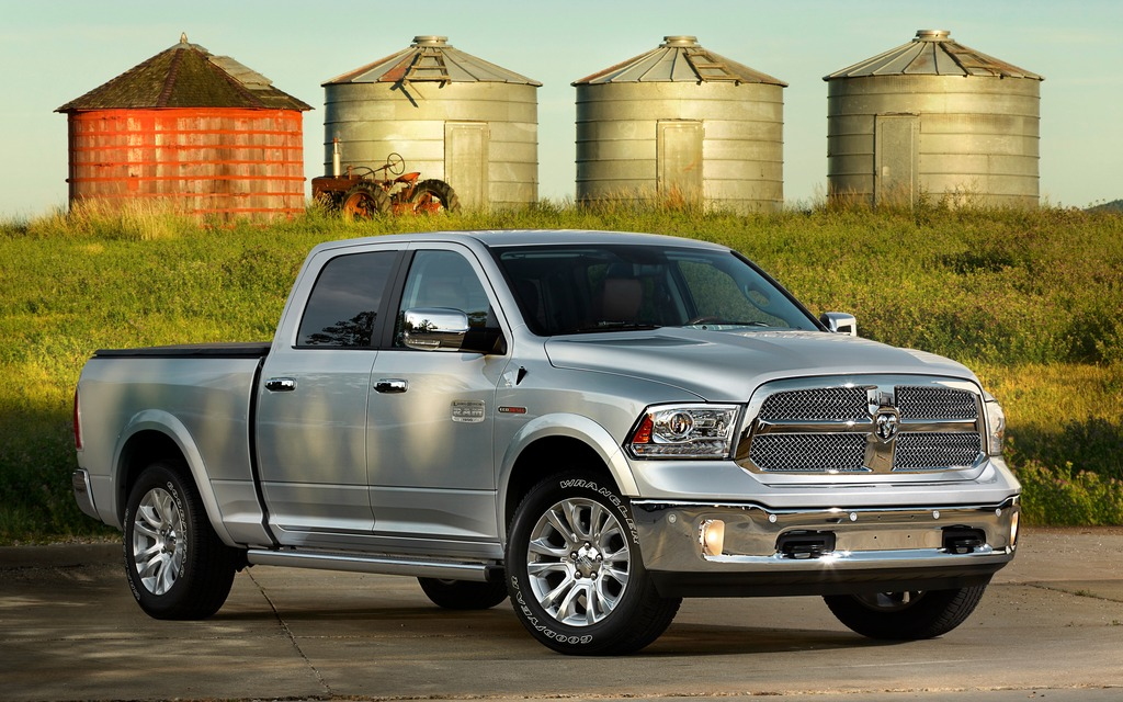 chrysler ajoute un moteur diesel sa flotte de camionnettes ram l g res ram 1500 2014 guide. Black Bedroom Furniture Sets. Home Design Ideas