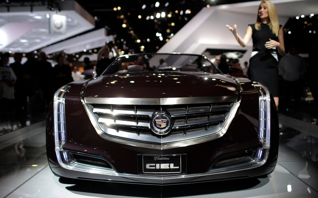 What Is The Difference Between A Cadillac Cts And Xts >> News: Cadillac Competitor to S-Class, 7-Series Coming