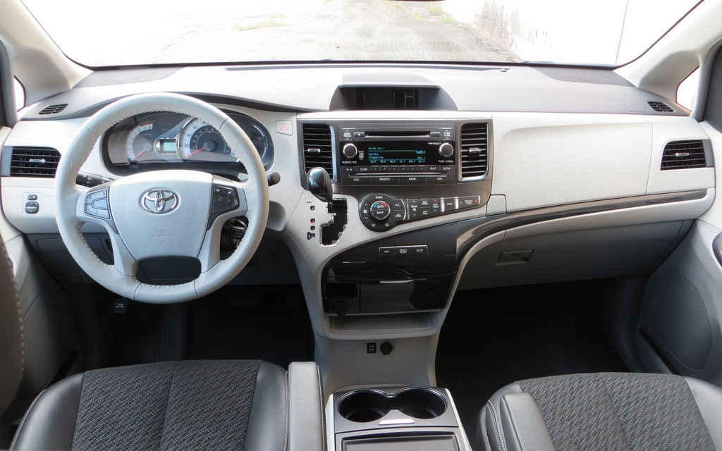 used 2004 toyota camry pricing edmunds autos post. Black Bedroom Furniture Sets. Home Design Ideas