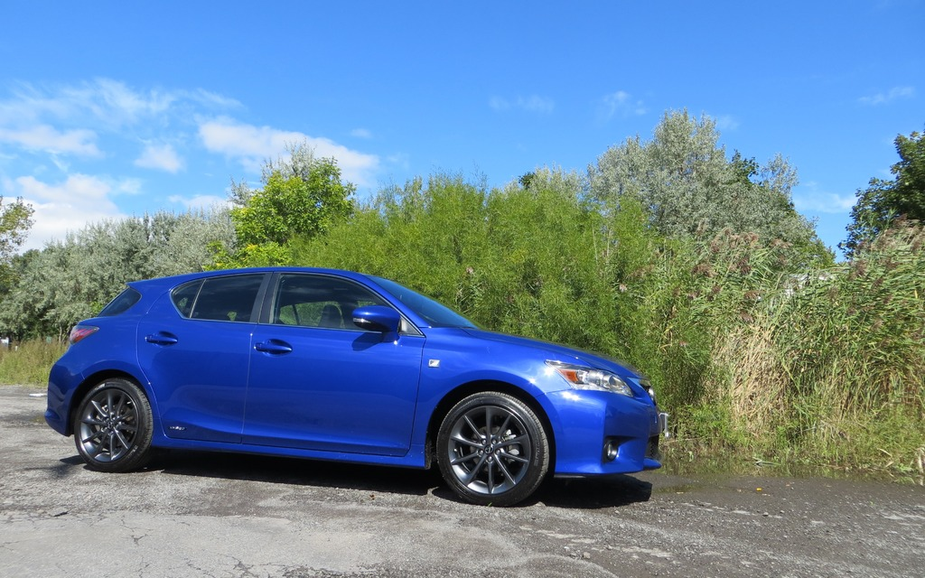 2013 lexus ct 200h f sport begging for more motor review the car guide. Black Bedroom Furniture Sets. Home Design Ideas