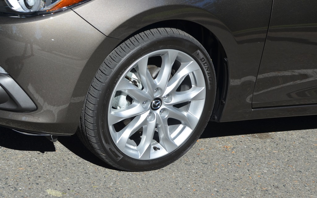 The GT versions are fitted with 18-inch tires. - Picture ... 2014 Mazda 3 Wheel Size