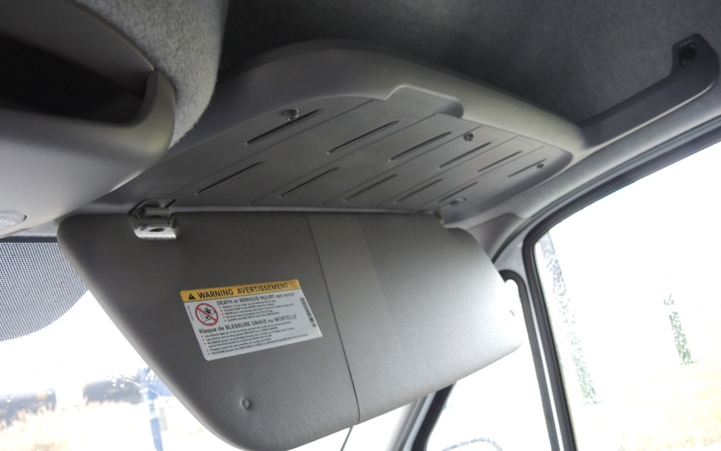 Note that loading space between the roof and the sun visor for Mercedes benz sprinter sun visor