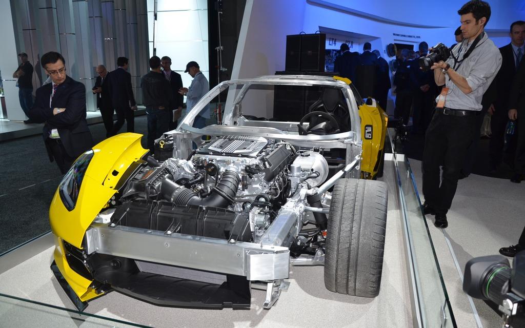 Chevrolet corvette z06 2015 galerie photo 10 10 le for Salon de auto 2015
