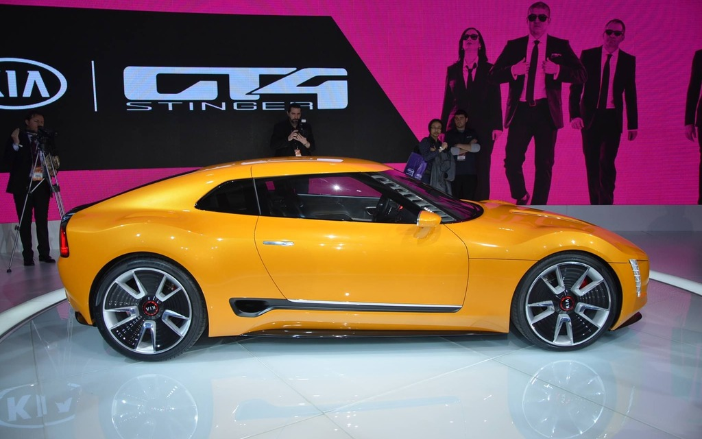 kia gt4 stinger concept coup sport galerie photo 1 9 le guide de l 39 auto. Black Bedroom Furniture Sets. Home Design Ideas