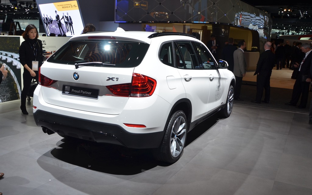 2015 bmw x1 2015 to be revealed in a month picture gallery photo 2 9 the car guide. Black Bedroom Furniture Sets. Home Design Ideas