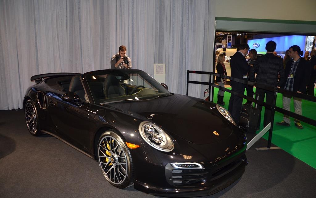 La porsche 911 turbo en primeur au salon de l 39 auto de - Salon de l auto calais ...