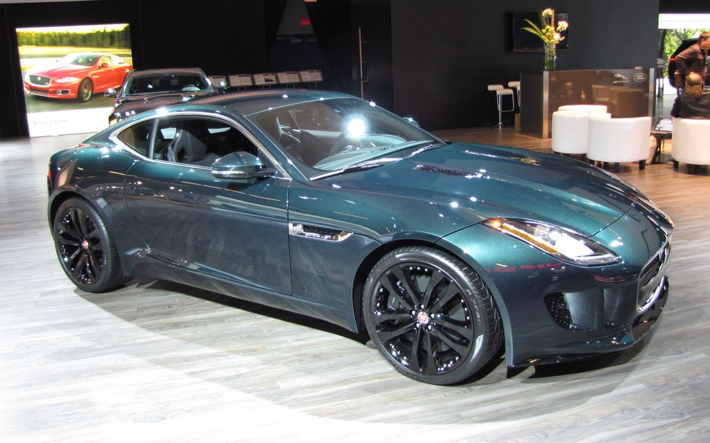 Jaguar f type coupe green - photo#8