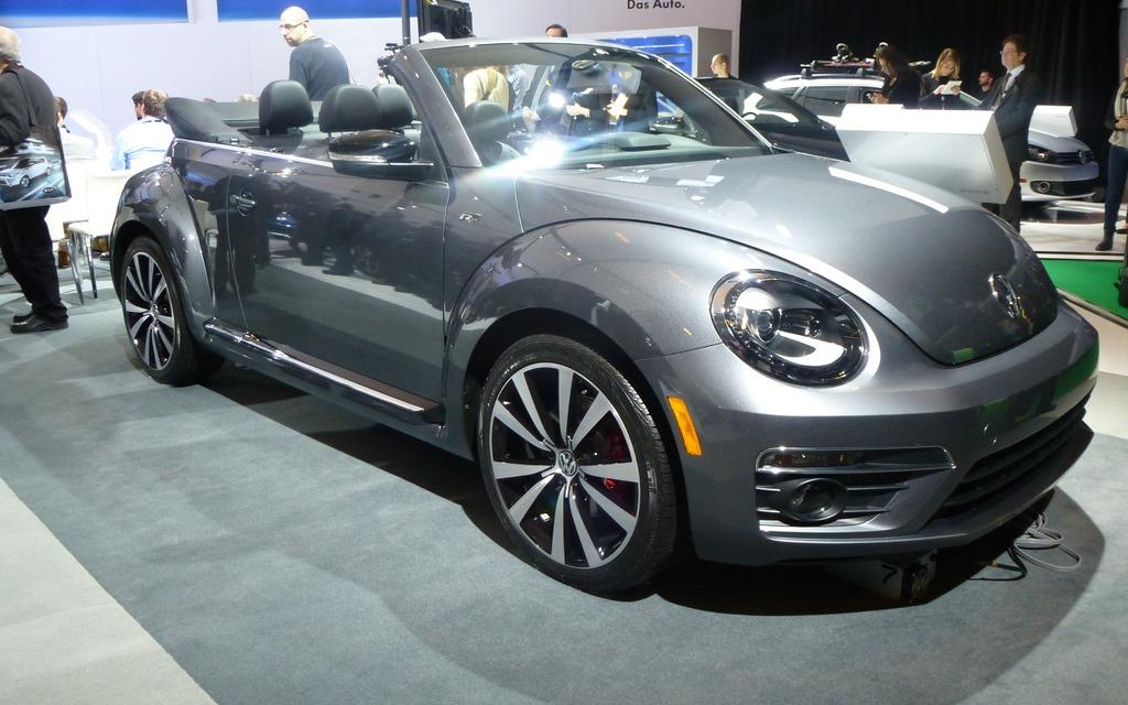 volkswagen beetle r line review a more brutish bug. Black Bedroom Furniture Sets. Home Design Ideas