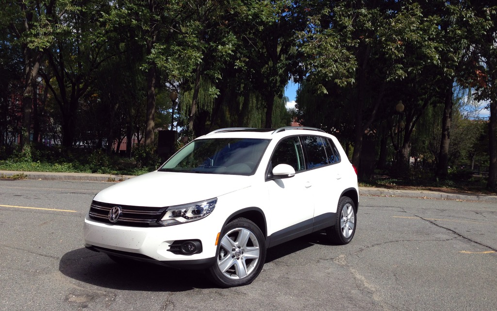2014 volkswagen tiguan perfect for a 3 000 km ride review the car guide. Black Bedroom Furniture Sets. Home Design Ideas