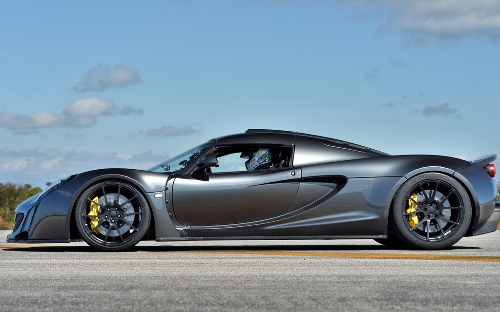 henessey venom gt picture gallery photo 2 9 the car guide. Black Bedroom Furniture Sets. Home Design Ideas