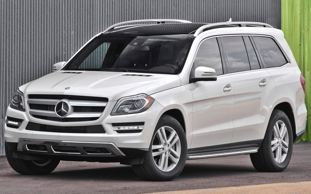 Russia reward its gold medalists with mercedes gl 2015 for 2015 mercedes benz gl