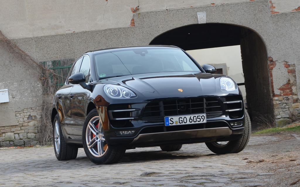 2015 porsche macan a racing suv review the car guide. Black Bedroom Furniture Sets. Home Design Ideas