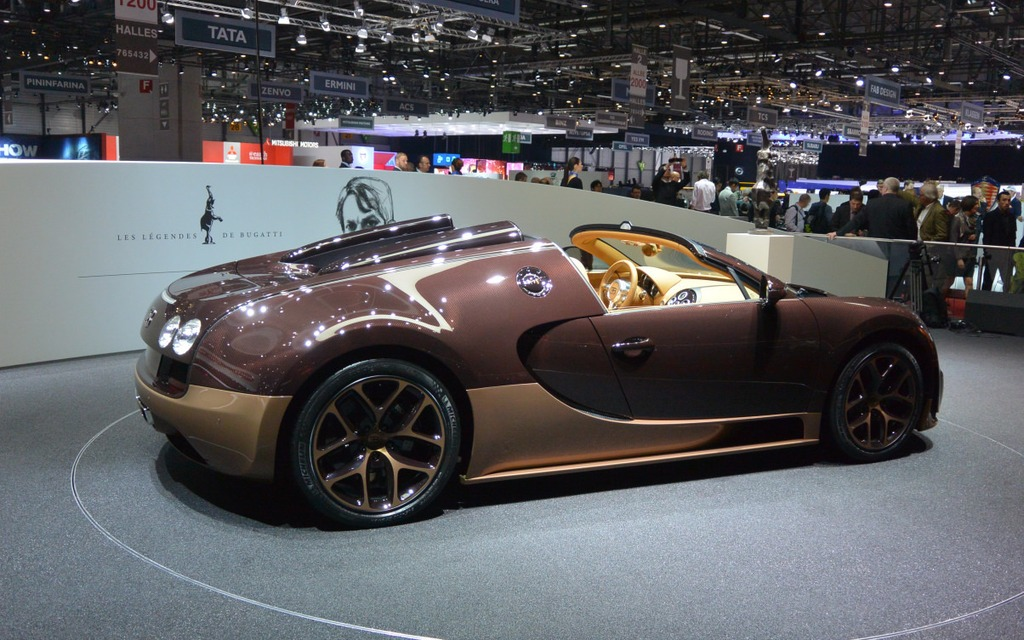 bugatti veyron grand sport vitesse a convertible driven by 1 200 horses p. Black Bedroom Furniture Sets. Home Design Ideas