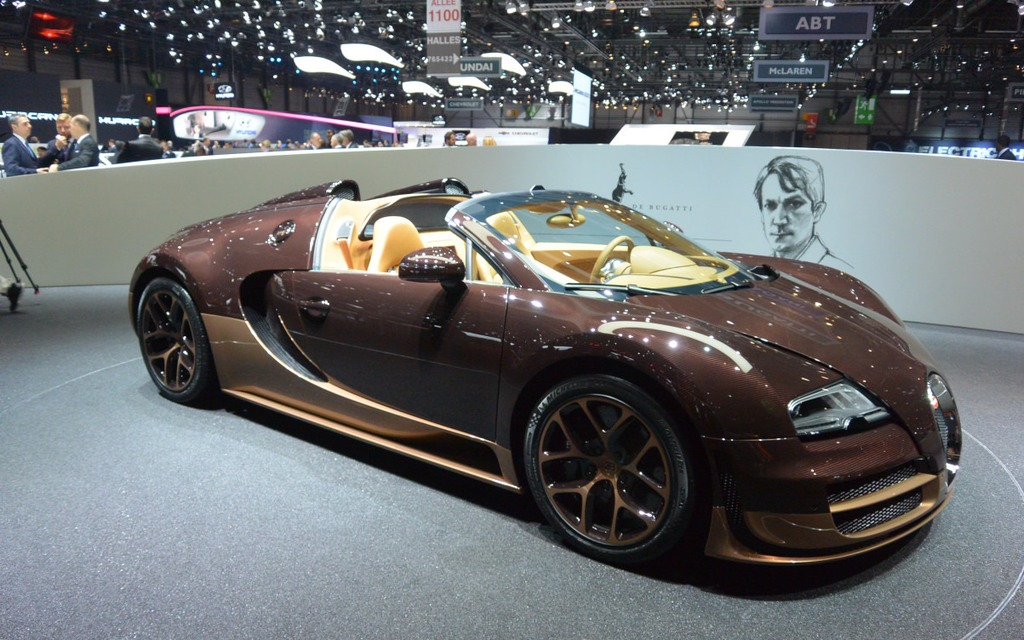 bugatti veyron grand sport vitesse a convertible driven. Black Bedroom Furniture Sets. Home Design Ideas