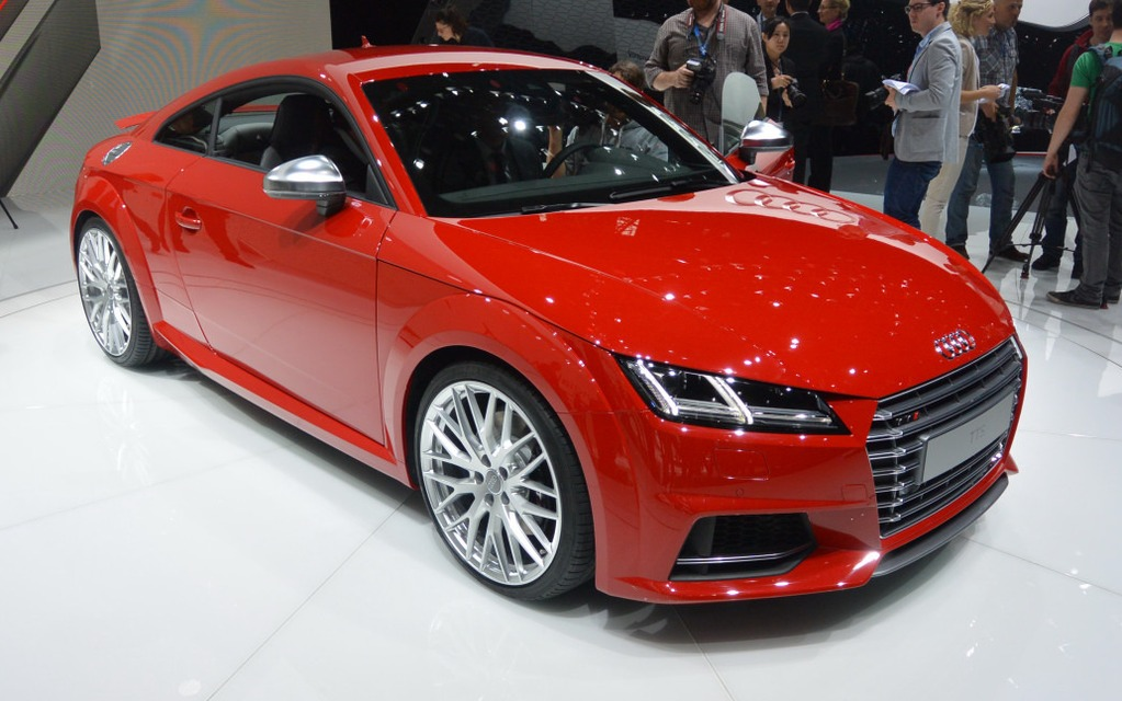 audi tt 2015 d voilement officiel guide auto. Black Bedroom Furniture Sets. Home Design Ideas